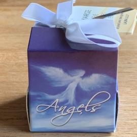 Soja wenskaarsje met bedeltje Angel2 donker