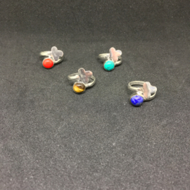 verzilverde verstelbare ringetjes in verschillende edelstenen look