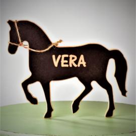 Houten paard met naam