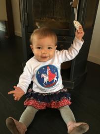 Lotte met haar sinterklaasshirtje