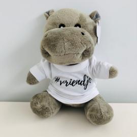 Nijlpaard met shirt