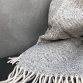 wollen plaid van hamamaniac in licht grijs