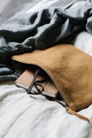 canvas pouch / etui van The Dharma Door in de kleur camel, maat small
