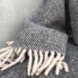 wollen plaid van Hamamaniac in de kleur donker grijs-bruin