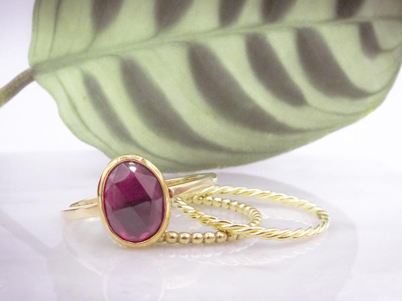 Ring met rhodolietgranaat