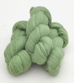 6/2-3121 Ljusgrön på vit ull
