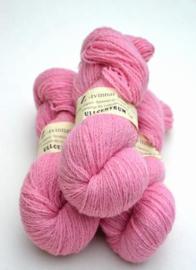Z-1111 Rosa på vit ull