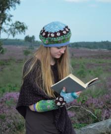 Shetland shawl, tam and gauntlets