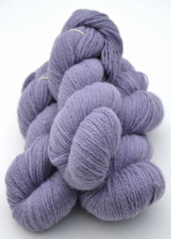 6/2-5121 Lavendel på vit ull