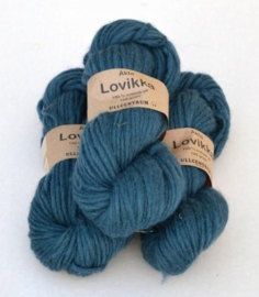 Lovikka - Petrol on White Wool 4111