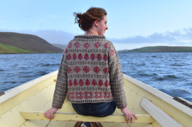 "Sweater ""Shetlandic knitting"""