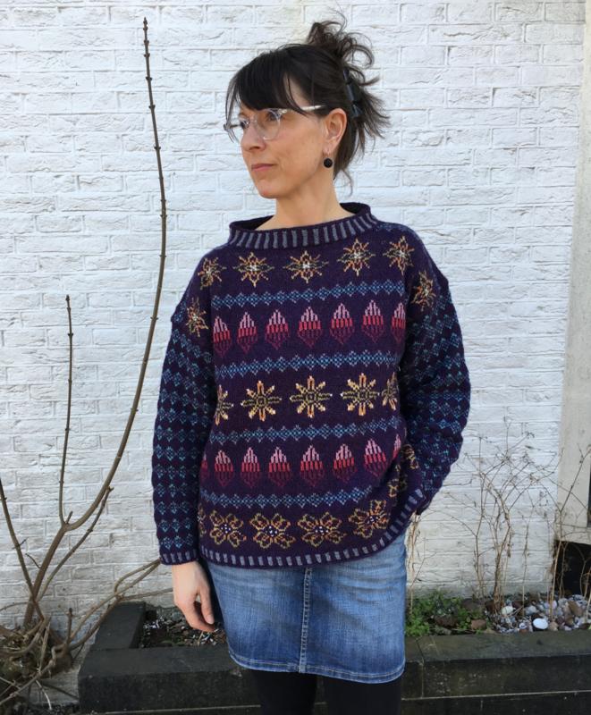 "Sweater ""Shetlandic knitting"" purple"