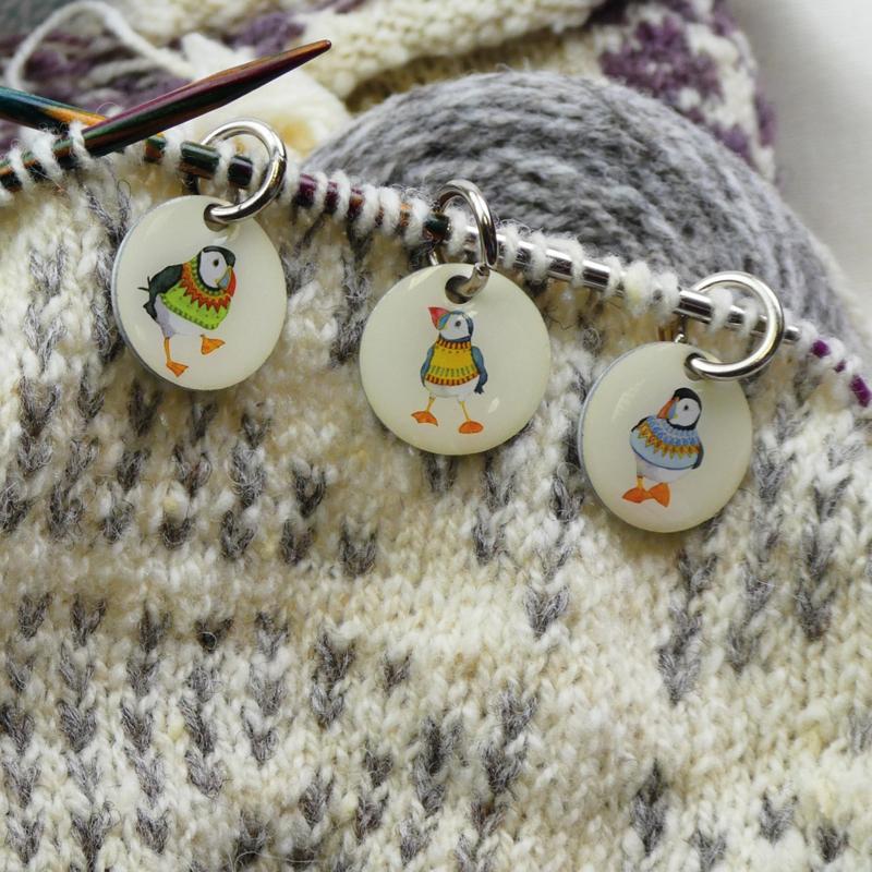 Emma Ball - Steekmarkeerders - Woolly Puffins