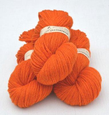 Z-2121 Orange på vit ull