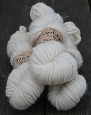 Lovikka -  0101 Vit