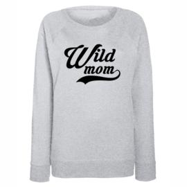 """Sweater met tekst """"Wildmom"""" Grijs"""