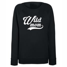 """Sweater met tekst """"Wildmom"""" Zwart"""