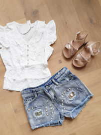 Shirtje White Ruffle Broderie