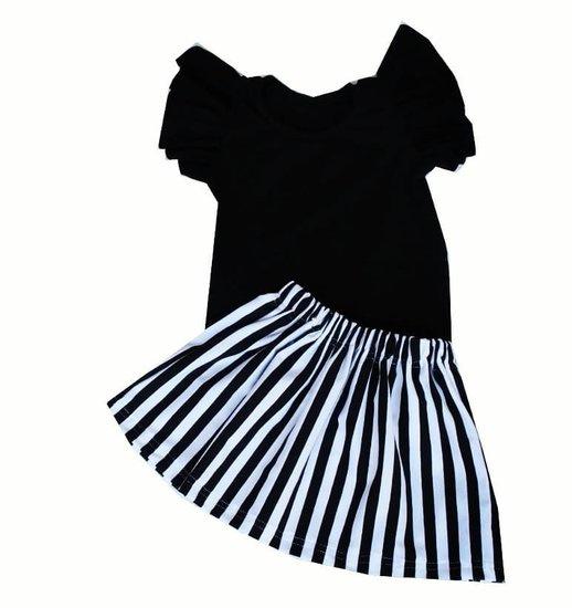 Setje Rokje gestreept zwart/wit + Ruffle shirtje zwart