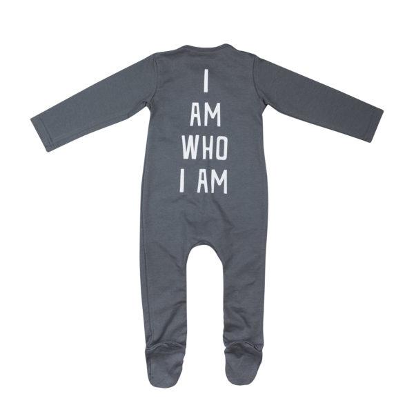 Dadamora AW1920 - Baby onesie I AM WHO I AM