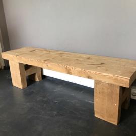 Tv-meubel, Oude balken