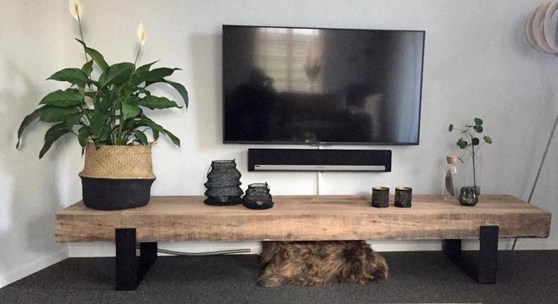 TV-meubel van massief eikenhout