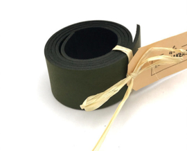 leren plankendrager kleur verde met Eikenhout.