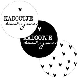 Sticker    Kadootje voor jou    3 varianten    12 stuks