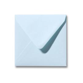 Licht blauwe envelop