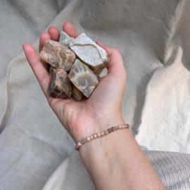 Maansteen armband met ruwe edelsteen