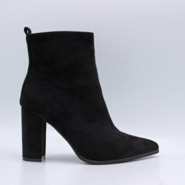 Shoedate 209
