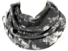 Stoer zwart batiek