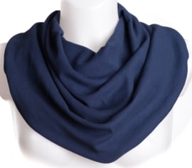Marineblauwe sjaal