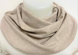 Gemeleerd beige sjaal