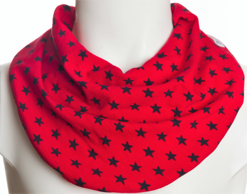 Rood met donkerblauwe sterren