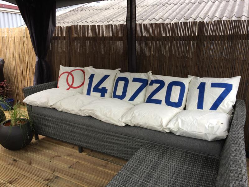Loungebank set kussens van gebruikt zeildoek