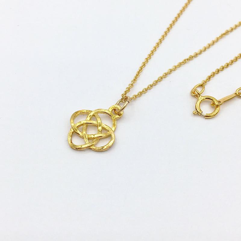 Gouden ketting keltische knoop hanger