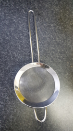 Strainer for icing sugar