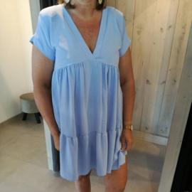 V jurk met stroken lichtblauw