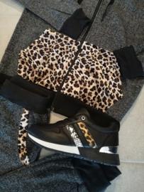 Leopard sneakers black