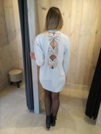 Trui-jurk met strikjes op rug grijs
