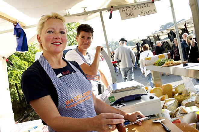 Hollandse kaas op markt Paray le Monial