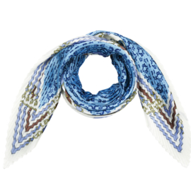 Sjaal in plissé met riemprint in ecru/lichtblauw