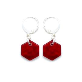 Oorringetjes 'Hexagon' in cherry red