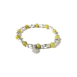 Armbandje met kralen in mat zilverkleur/geel | LOVE