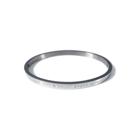 Stainless steel bangle in zilver | LOVE LIFE & ENJOY EVERY MOMENT