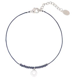 Armbandje met kraaltjes en hartje in blauw/zilverkleur