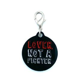 Halsbandhanger | LOVER, NOT A FIGHTER