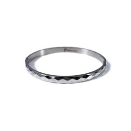 Stainless steel bangle in zilver | Rhombus