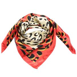 Sjaal met luipaardprint in ecru/zwart/oranje